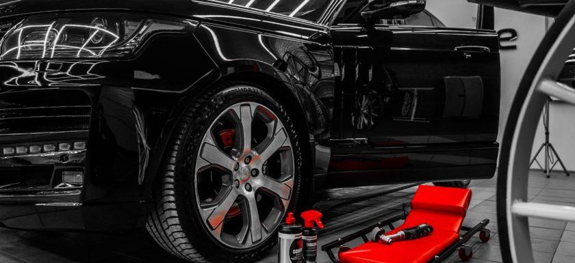 Нанесение керамического покрытия на кузов Land Rover
