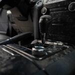 Обклеить салон машины плёнкой с текстурой кованного карбона