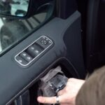 Оклеить мониторы авто прозрачной плёнкой