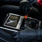 Оклейка монитора автомобиля плёнкой