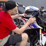 Оклейка мотоцикла виниловой плёнкой