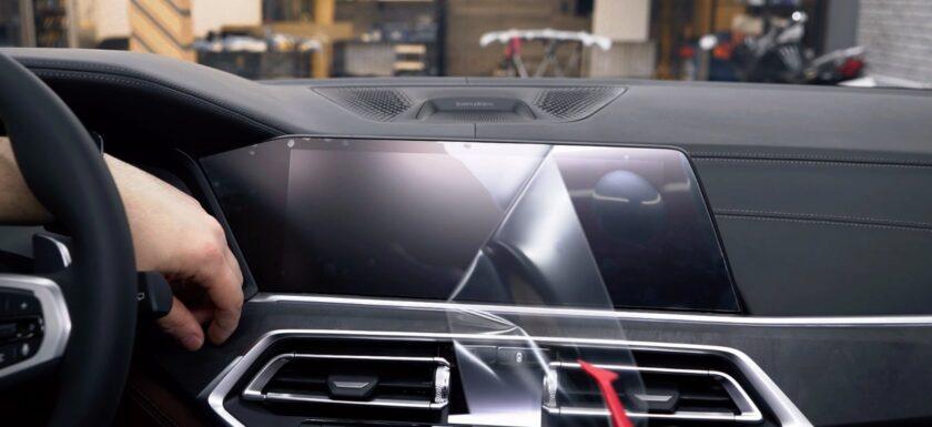 Оклейка плёнкой деталей салона авто