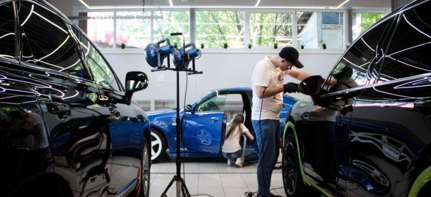 Вакансии в автосалонах москвы для мужчин без опыта снять машину без залога спб