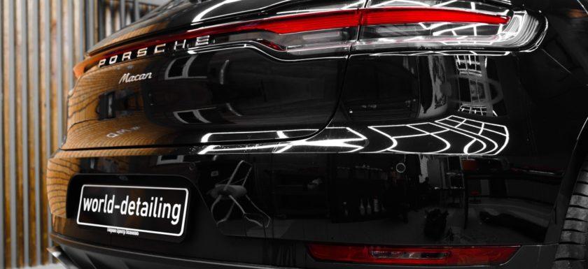 Защита кузова автомобиля плёнкой компании Llumar